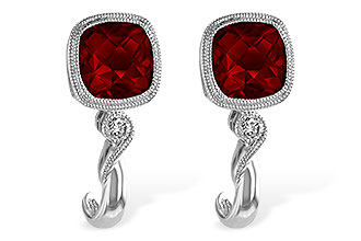 E220-07898: EARRINGS 2.36 GARNET 2.40 TGW